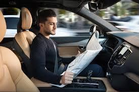 Les avantages et les contraintes que peuvent offrir les voitures semi-autonomes