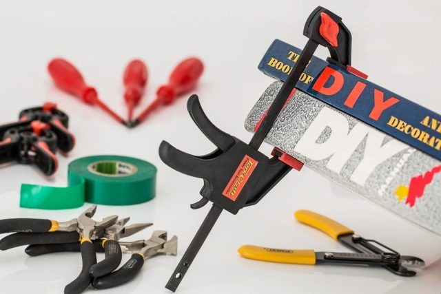 Le matériel de bricolage indispensable pour un débutant