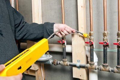 Comment réparer un tuyau de chaudière qui fuit ?